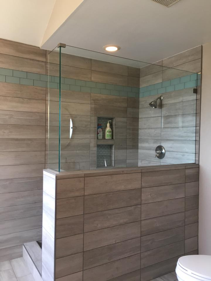Screen/No Door Frameless Glass Shower