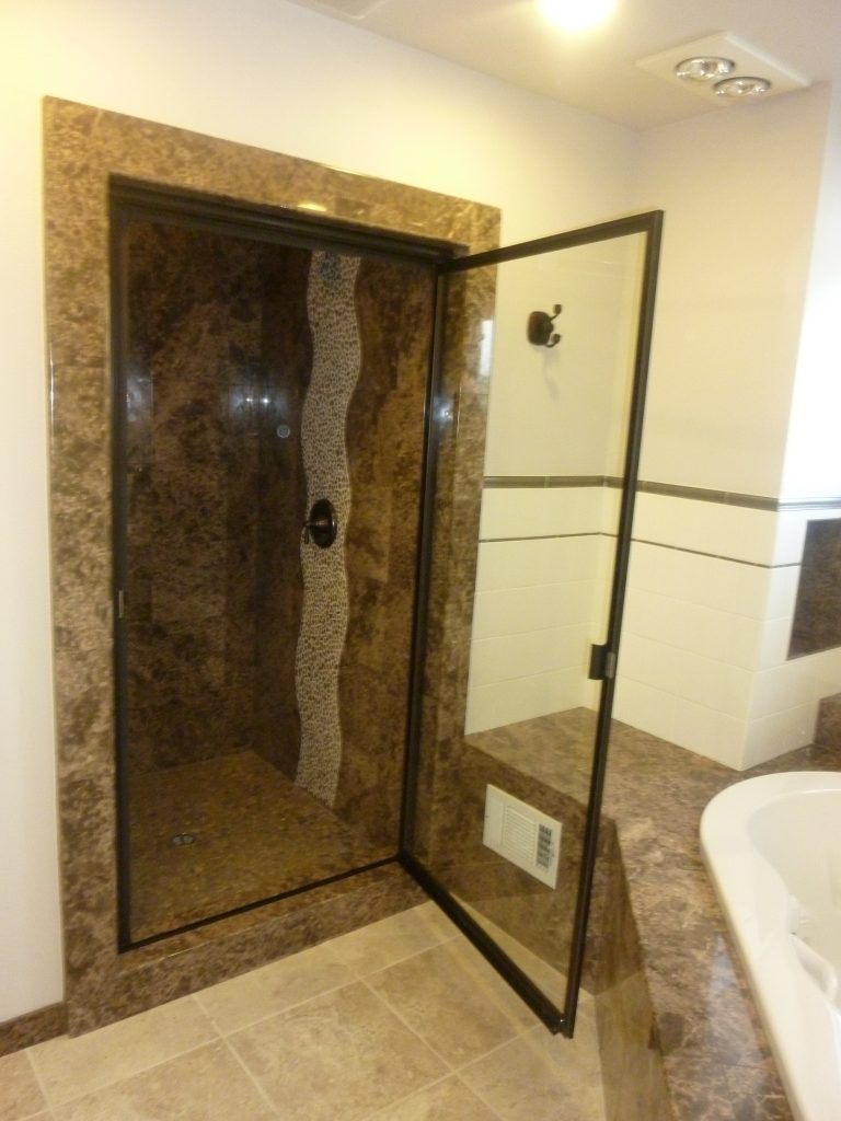 SINGLE DOOR SHOWER DOOR - Framed