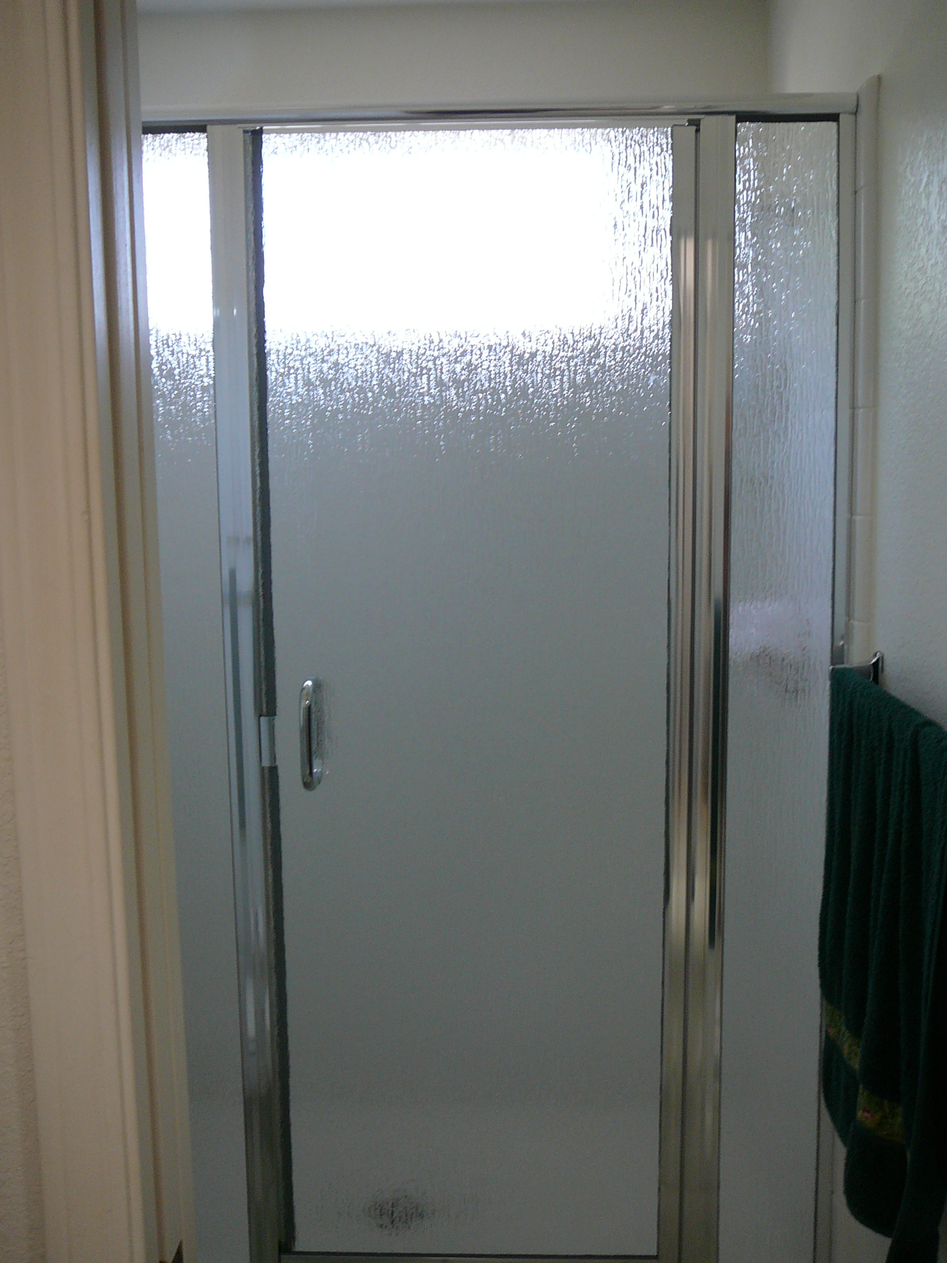 NEO ANGLE SHOWER DOORS - FRAMED